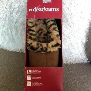NEW, Dearfoams camel and animal print slippers